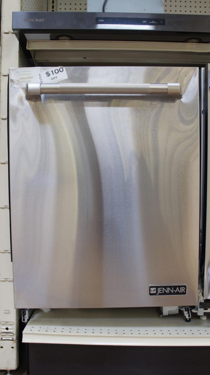 """24"""" JennAir JDTSS244GP Dishwasher"""