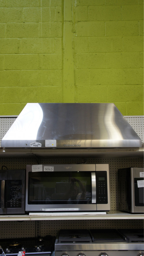 "48"" Thermador HPCN48NS Wall Mount Chimney Hood"