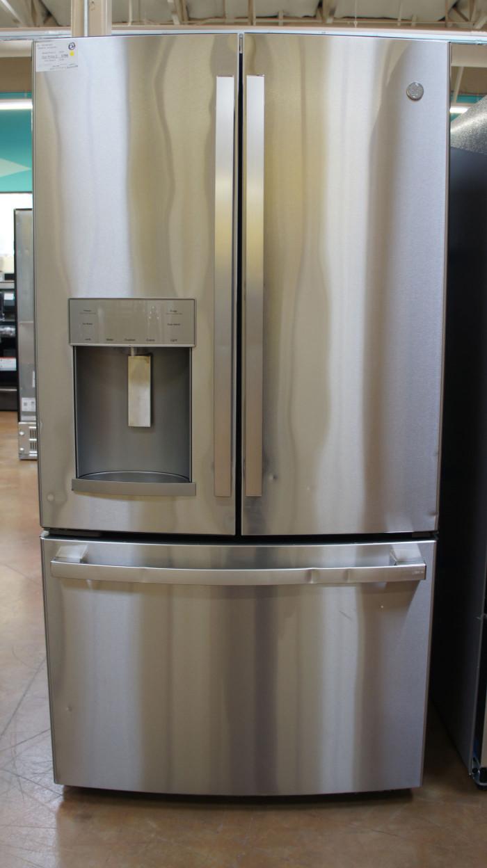 "36"" GE GFD28GYNFS 27.8 cu.ft. French Door Refrigerator"