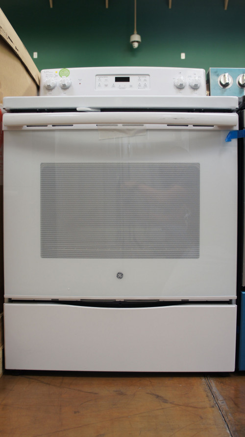"30"" GE JB645DKWW Electric Range 
