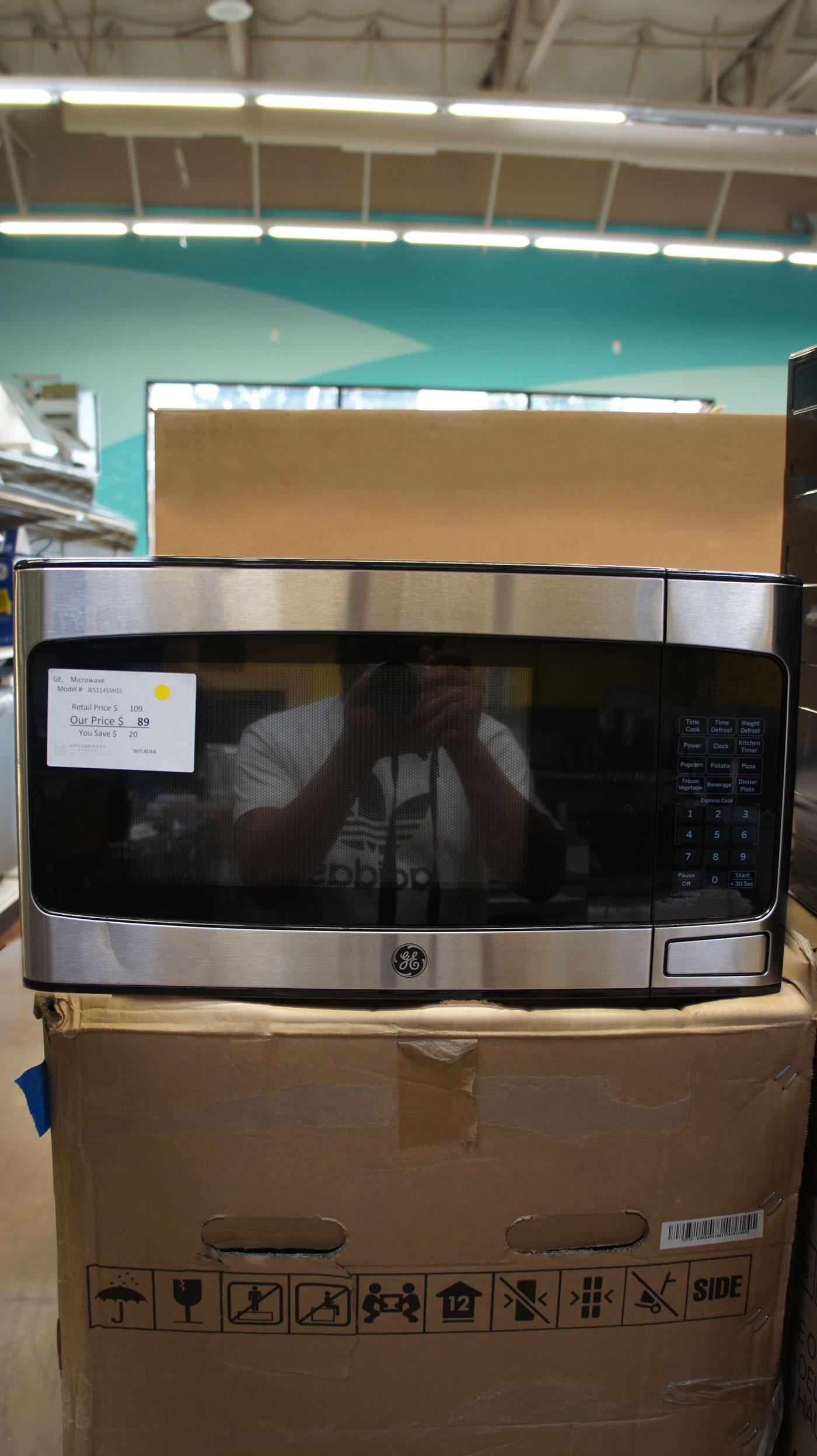 1.1 cu.ft. GE JES1145SHSS 950 Watts Countertop Microwave Oven