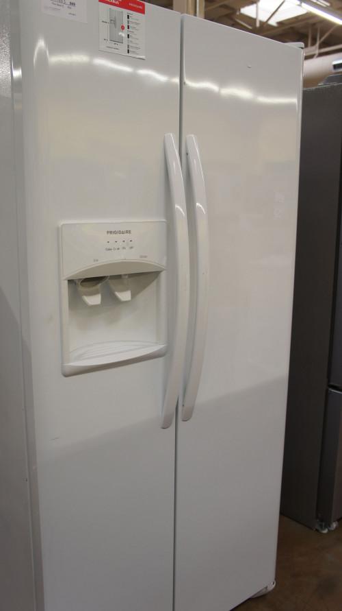 "33"" Frigidaire LFSS2312TP Side-By-Side 22.0 cu.ft. Refrigerator"