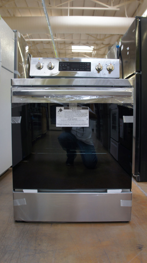 "30"" Samsung NE59R4321SS 5.9 cu.ft. Freestanding Electric Range"