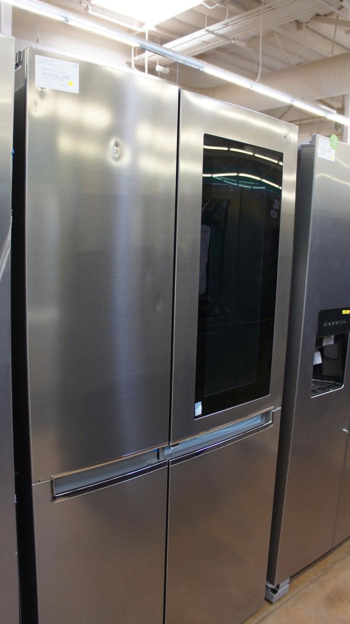 "36"" LG LRSES2706V 26.8 cu.ft. Capacity Side-by-Side Refrigerator"