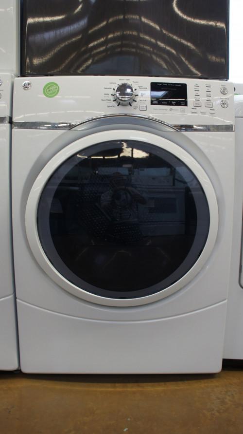 "27"" GE GFD45GSSMWW 7.5 cu.ft. Capacity Gas Dryer"