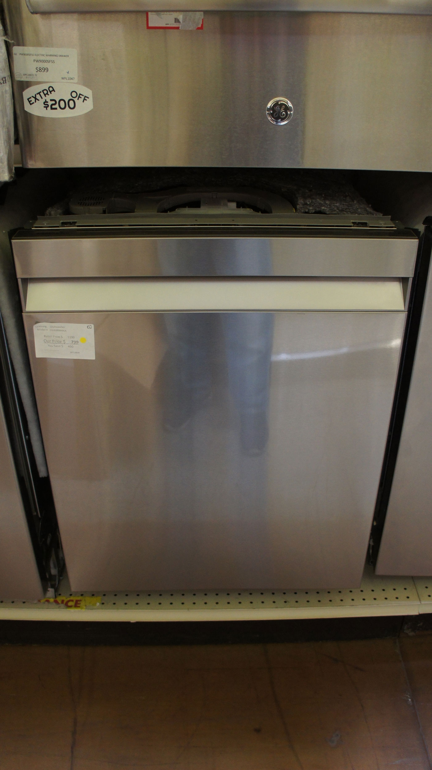 "24"" Samsung DW80R9950US Fully Integrated Smart Dishwasher"