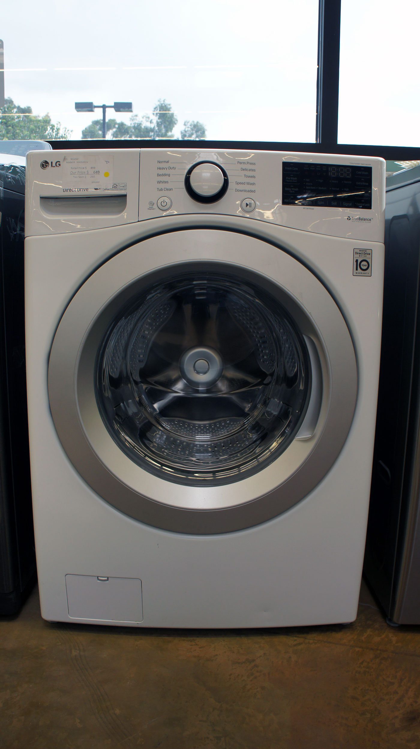 "27"" LG WM3500CW 4.5 cu.ft. Capacity Front Load Smart Washer"