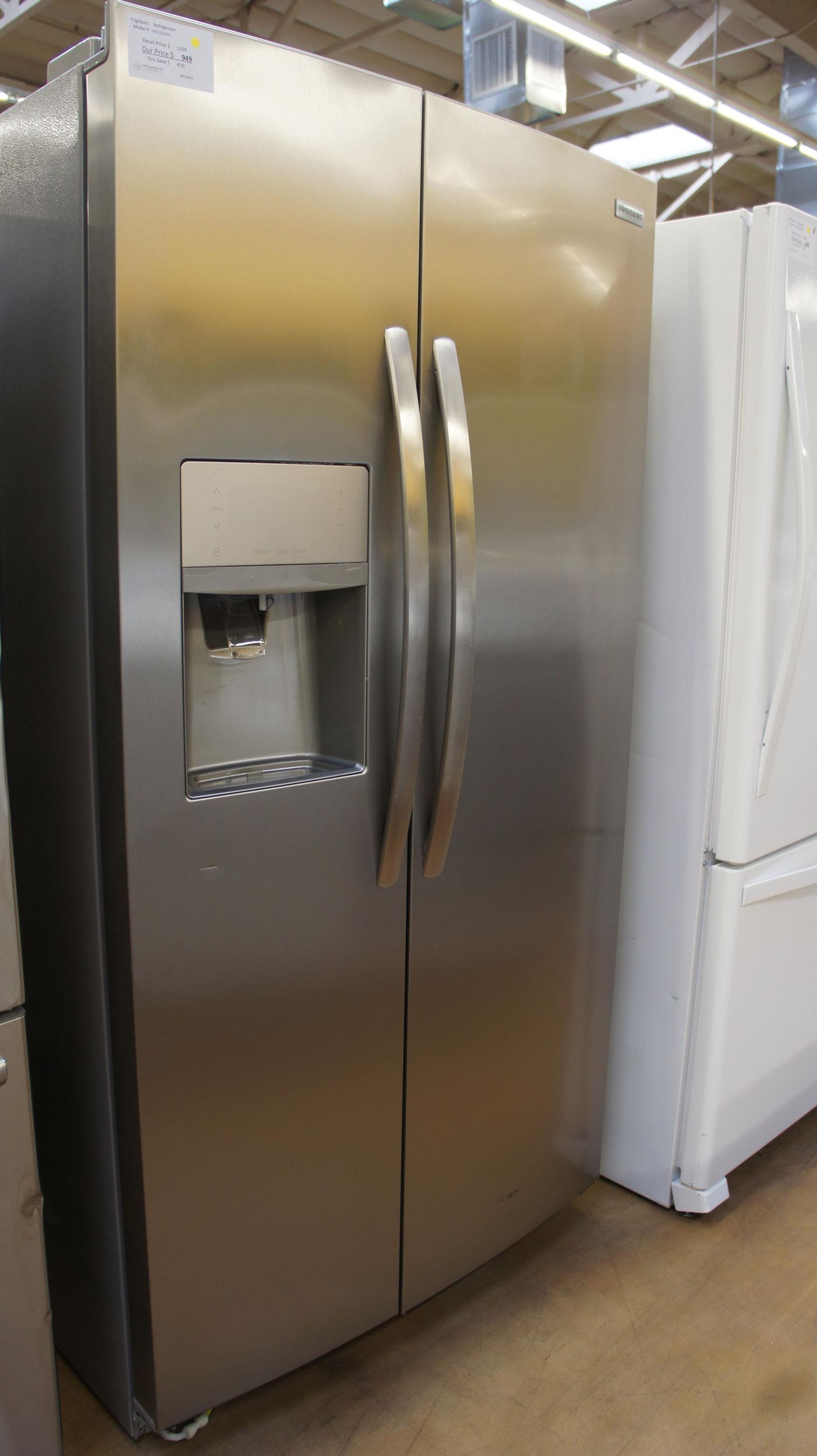 """36"""" Frigidaire LFSC2324VF 22.0 cu.ft. Side-By-Side Refrigerator"""