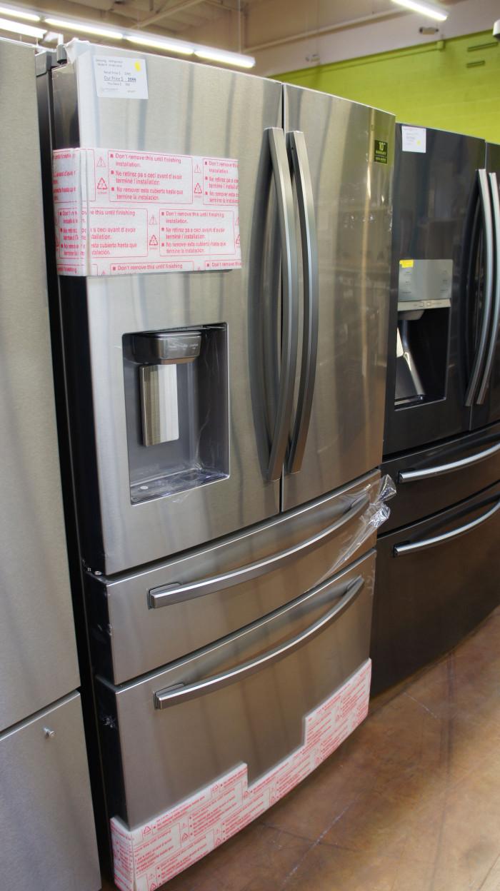 "36"" Samsung RF28R7201SR 28 cu.ft. French Door Refrigerator"