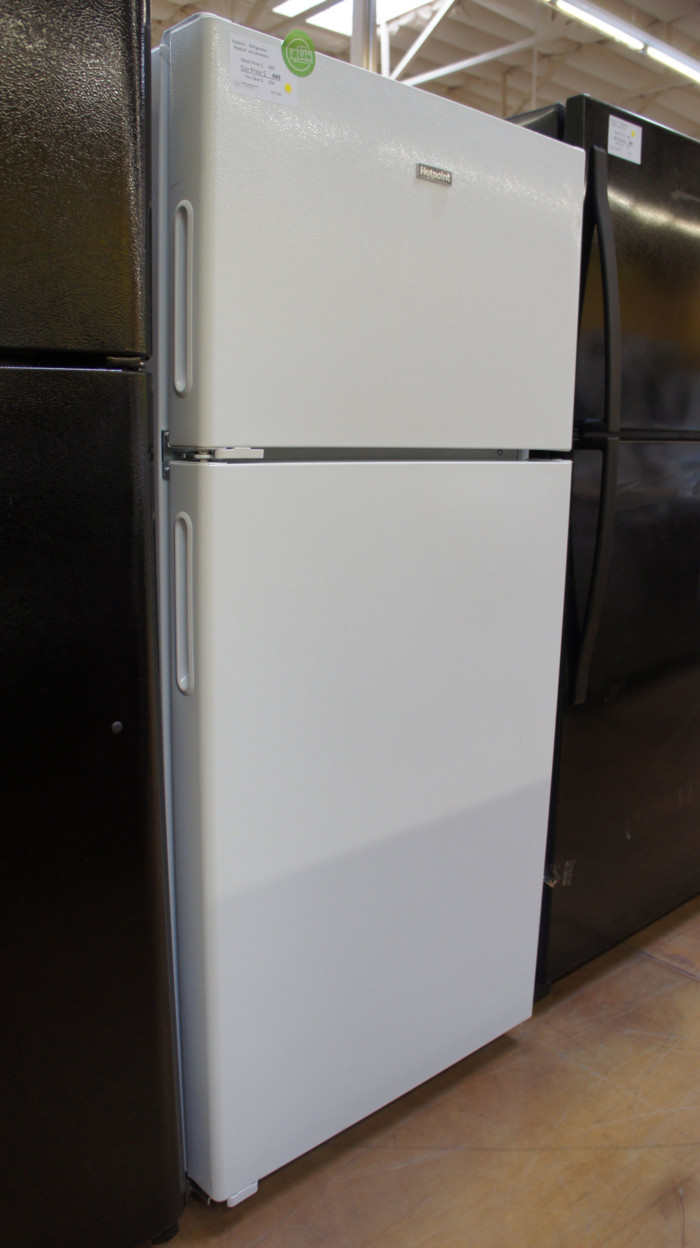 "28"" HotPoint HPS16BTNRWW Freestanding Top Freezer Refrigerator WFL5140"