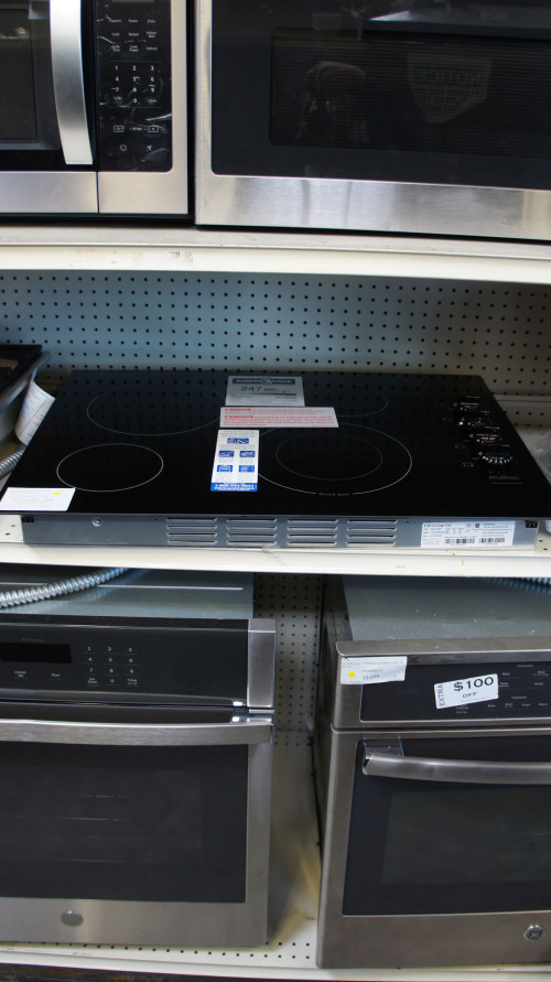 "30"" Frigidaire FFEC3025UB Electric Ceramic Cooktop"