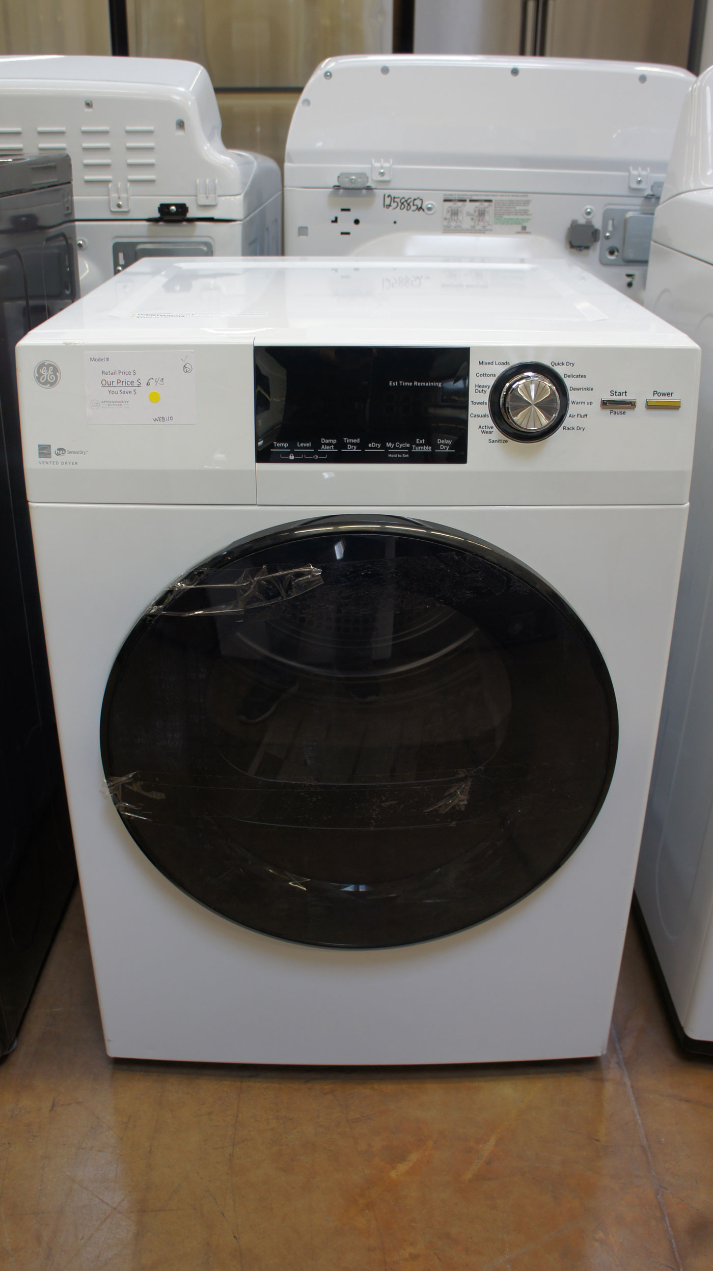 "24"" GE GFD14ESSNWW Front Load Washer"