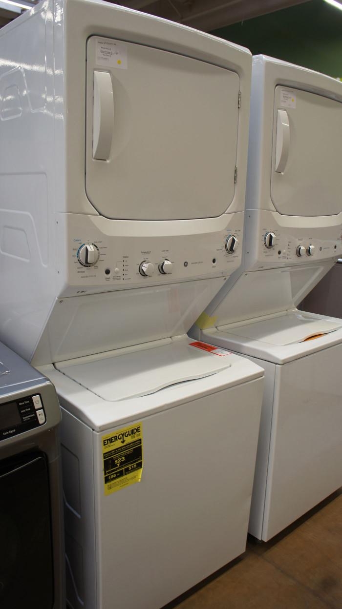"27"" GE GUD27ESSM1 Laundry Center"