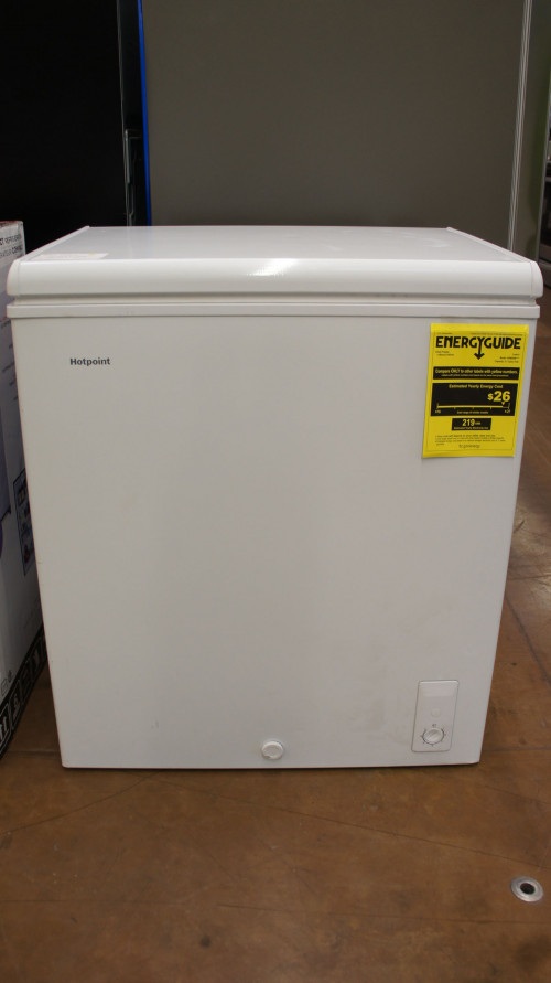 HotPoint HHM5SMAWW Chest Freezer