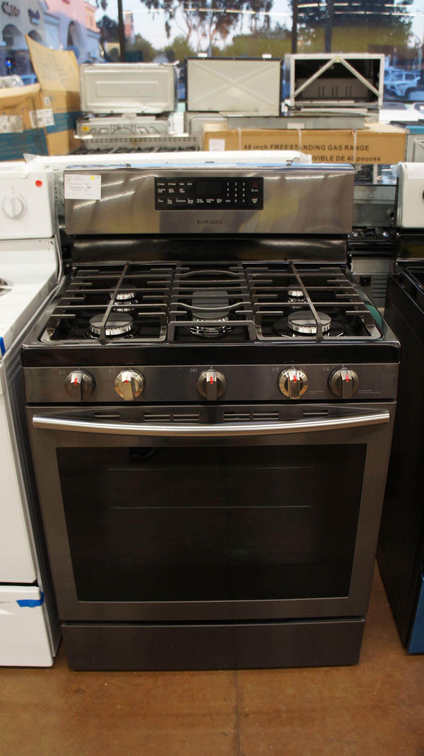 "30"" Samsung NX58J5600SG Gas Range Oven"