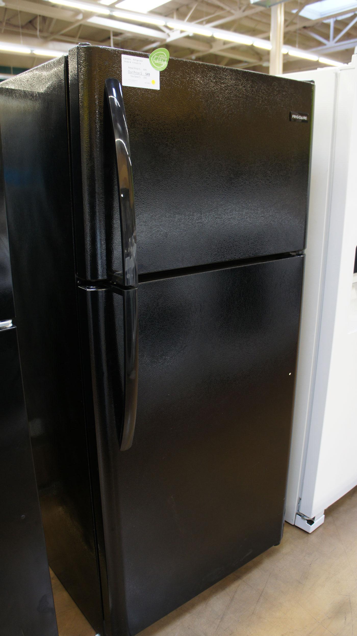 Frigidaire Capacity Top Freezer Refrigerator