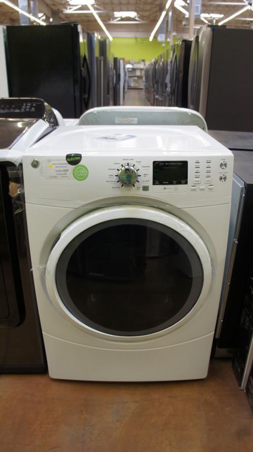 "27"" GE GFD45GSSMWW Gas Dryer"