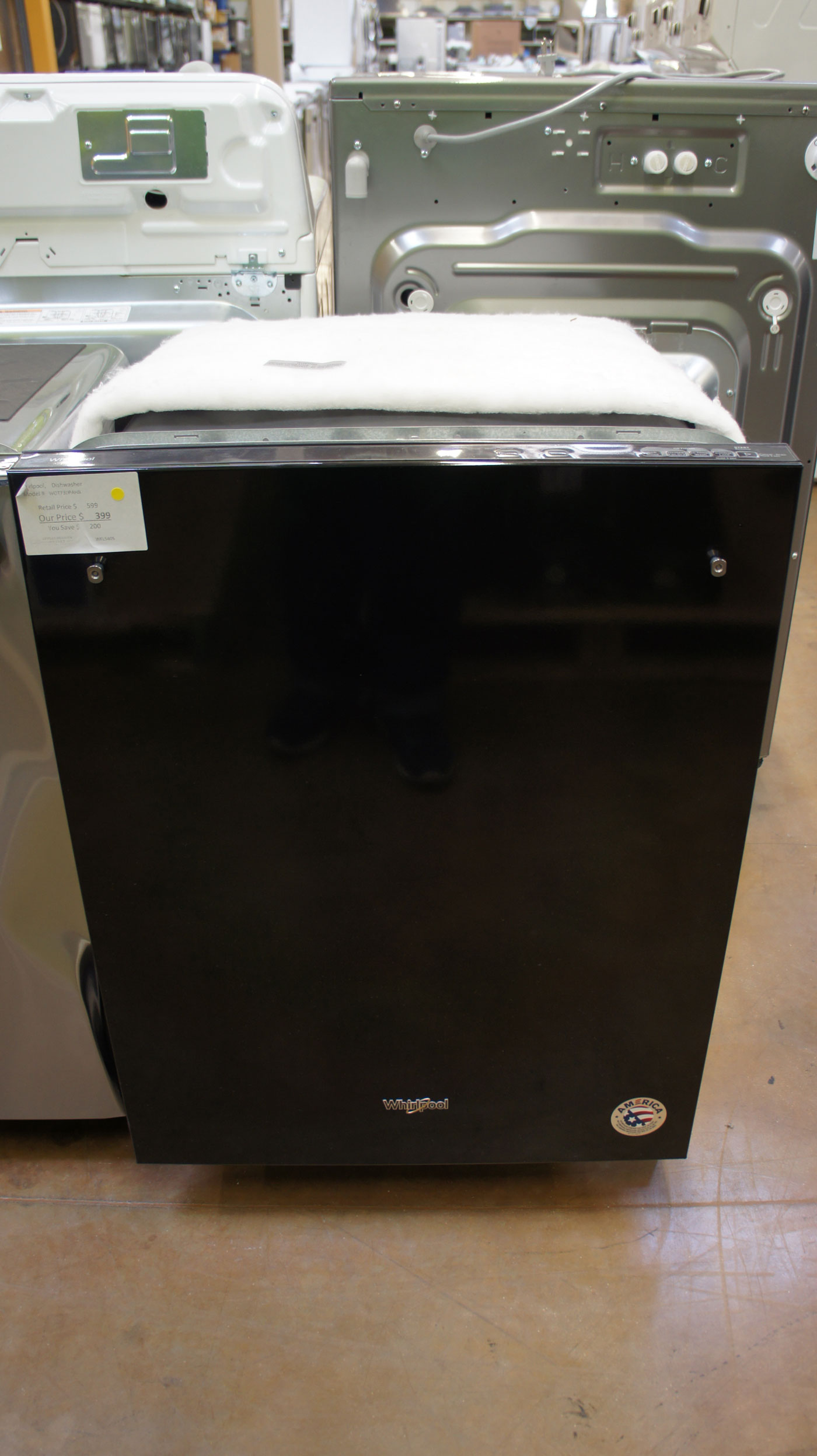"""24"""" Whirlpool WDT730PAHB Built-In Dishwasher"""