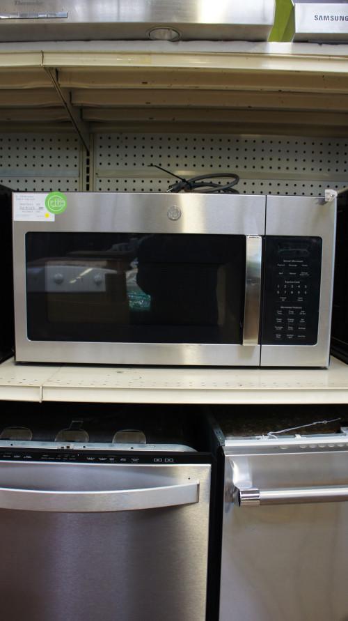 1.7 cu.ft. GE JVM6175YKFS Microwave