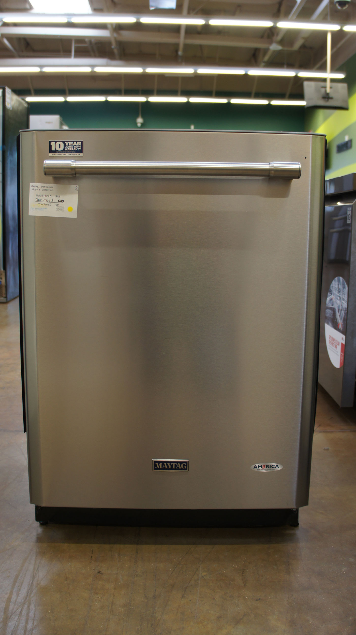 """24"""" Maytag MDB8979SFZ Dishwasher"""
