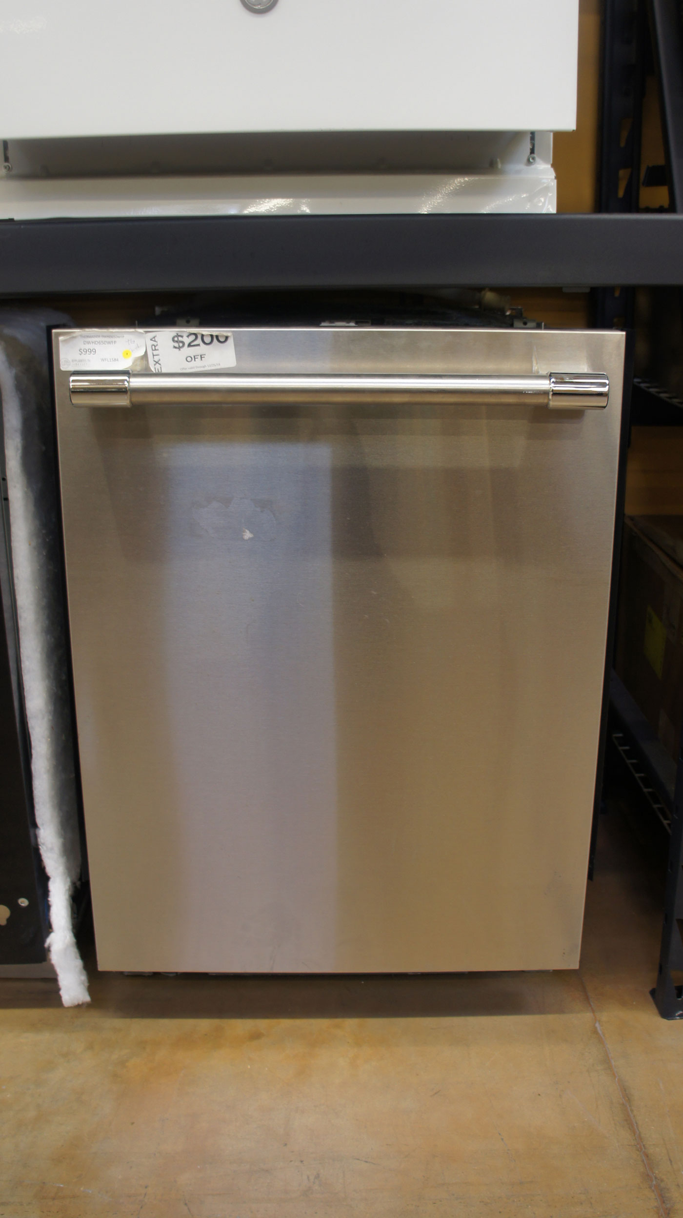 """24"""" Thermador DWHD650WFP Smart Dishwasher"""