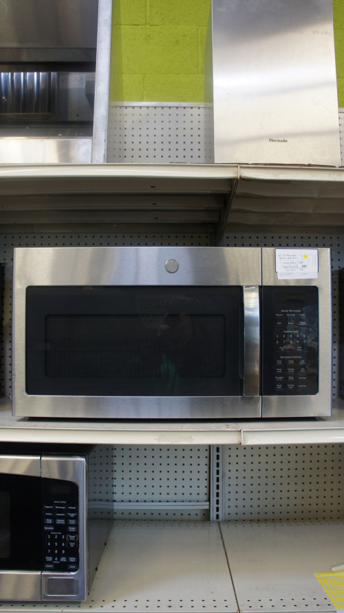 "30"" GE JVM6175YKFS 1.7 cu.ft. Over-The-Range Microwave Oven"
