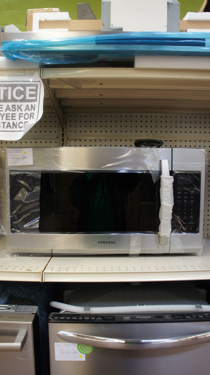 "30"" Samsung ME19R7041FS 1.9 cu.ft. Over-The-Range Microwave"