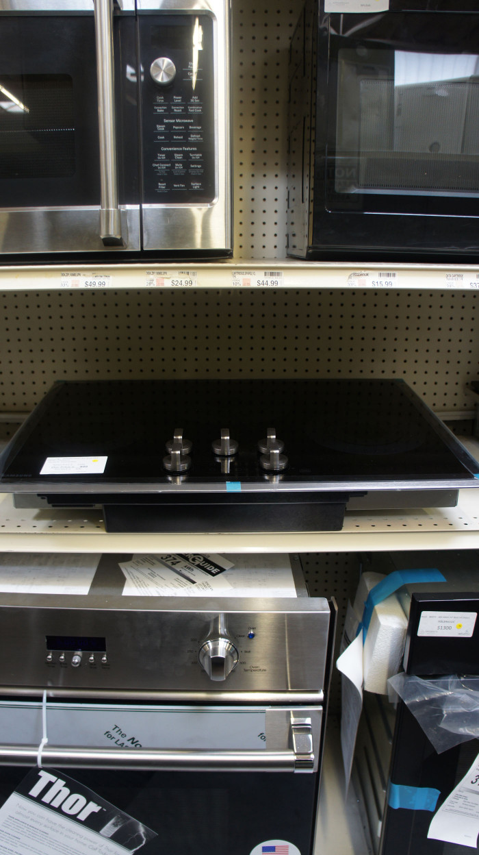 """30"""" Samsung NZ30K6330RS Element Electric Cooktop"""