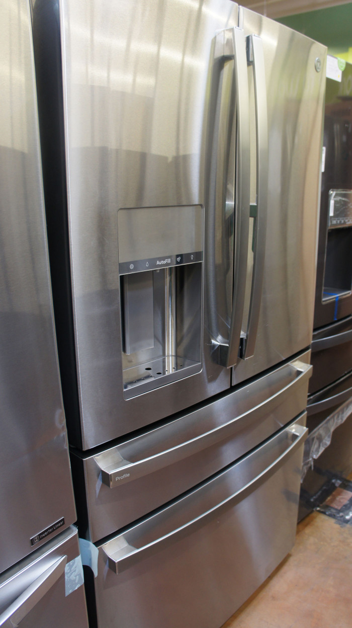 "36"" GE PVD28BYNFS 27.6 cu.ft. French Door Refrigerator"