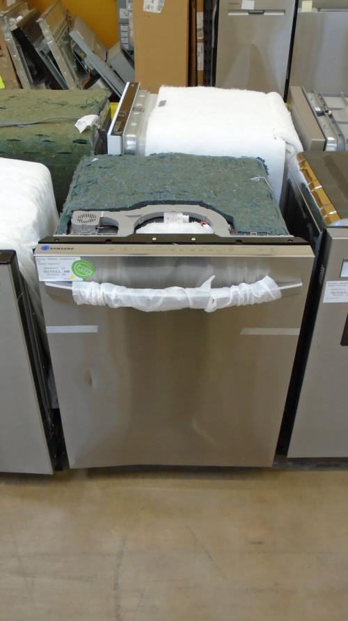 "24"" Samsung DW80R5061US Built-In Dishwasher"