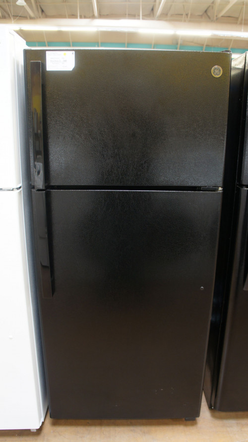 "28"" GE GTE17DTNRBB 16.6 cu.ft. Top Freezer Refrigerator"