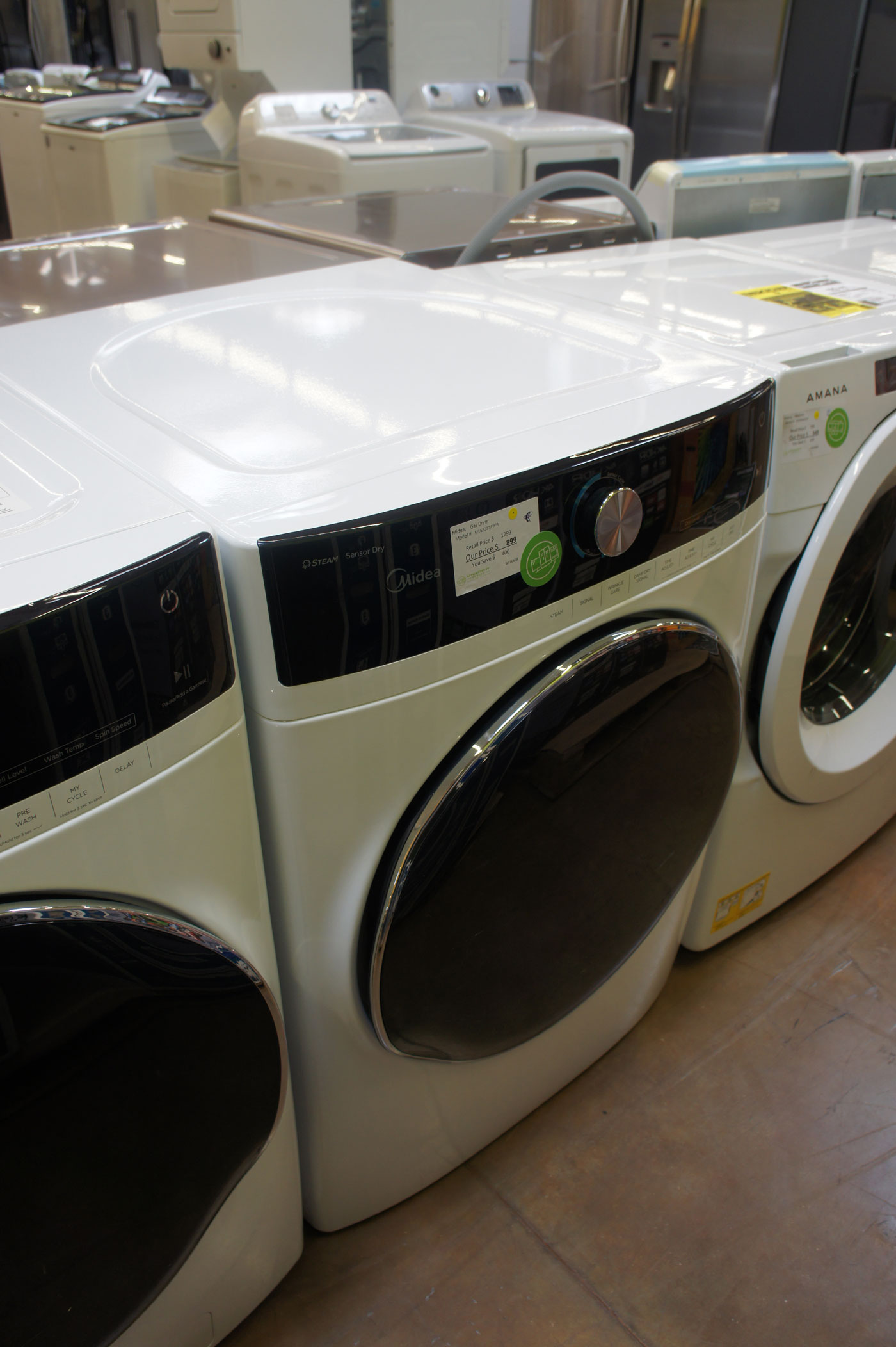 """27"""" Midea MLG52S7AWW 8.0 cu.ft. Front Load Gas Dryer"""