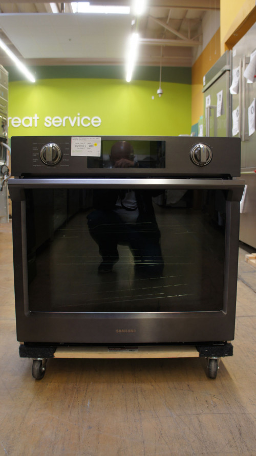 "30"" Samsung NV51K7770SG 5.1 cu.ft. Wall Oven"
