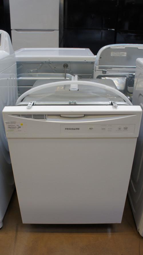 Frigidaire FDPC4221AW Dishwasher