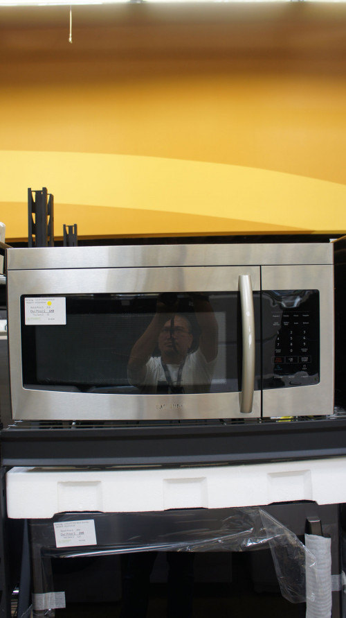 Samsung ME16K3000AS Microwave Oven