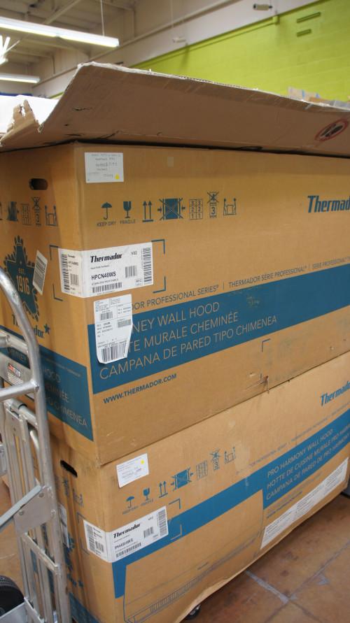 Thermador Chimney Wall Hood