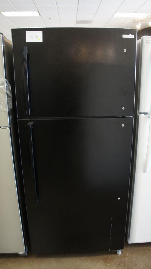Insignia Top Freezer Refrigerator