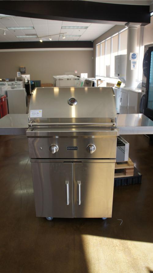 Coyote C-Series C1C28LPFS Freestanding Gas Grill