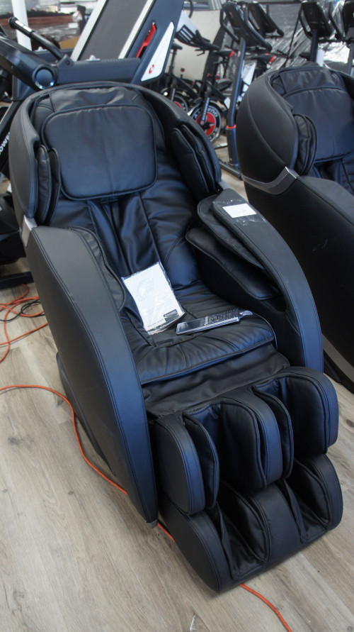 Insignia™ NS-MGC300BK Zero Gravity Full Body Massage Chair