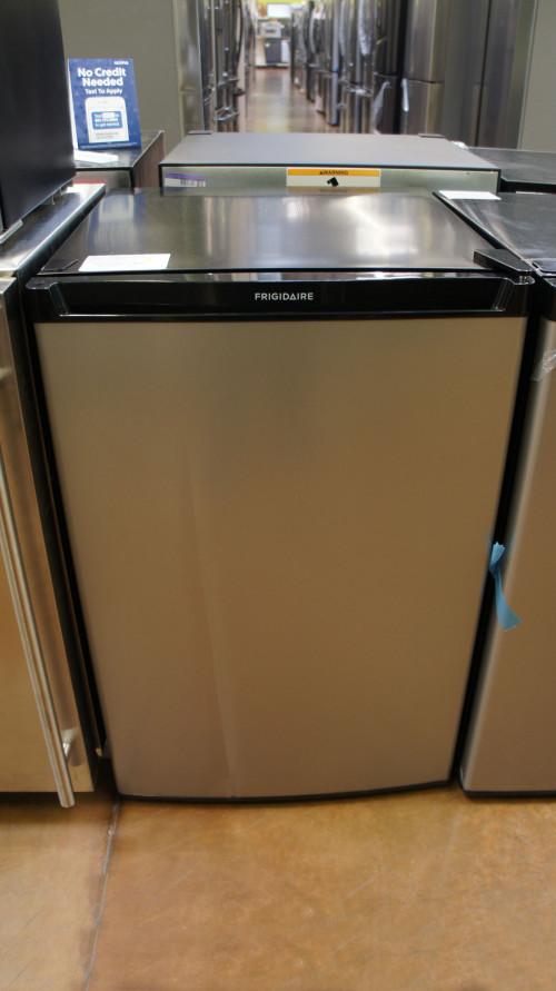 Frigidaire FFPE4533UM Compact Refrigerator