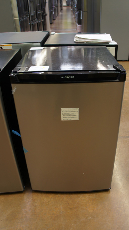 """22"""" Frigidaire FFPE4533UM 4.5 cu.ft. Compact Refrigerator"""