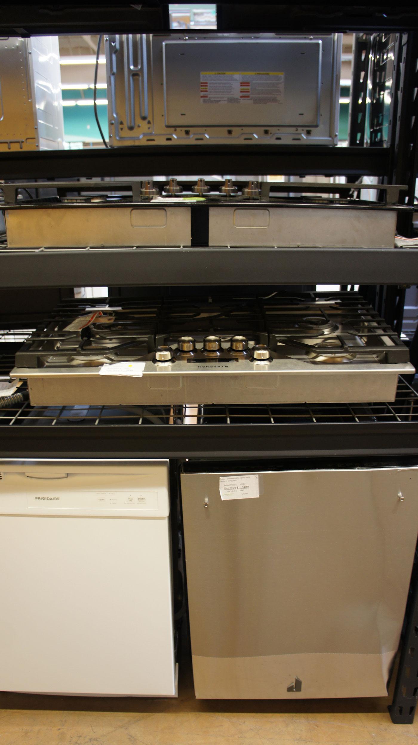 Monogram ZGU36ESLSS Gas Smart Cooktop
